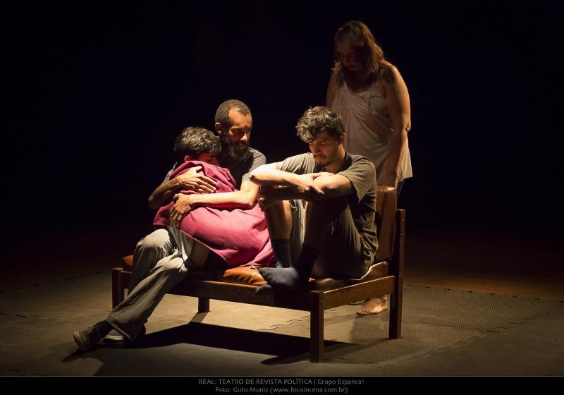 Real_Teatro-de-Revista-Política_INQUÉRITO_foto2-Guto-Muniz-2