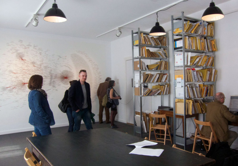 artists-politics-network-map-7th-berlin-biennale-2012-burak-arikan-installation-view4