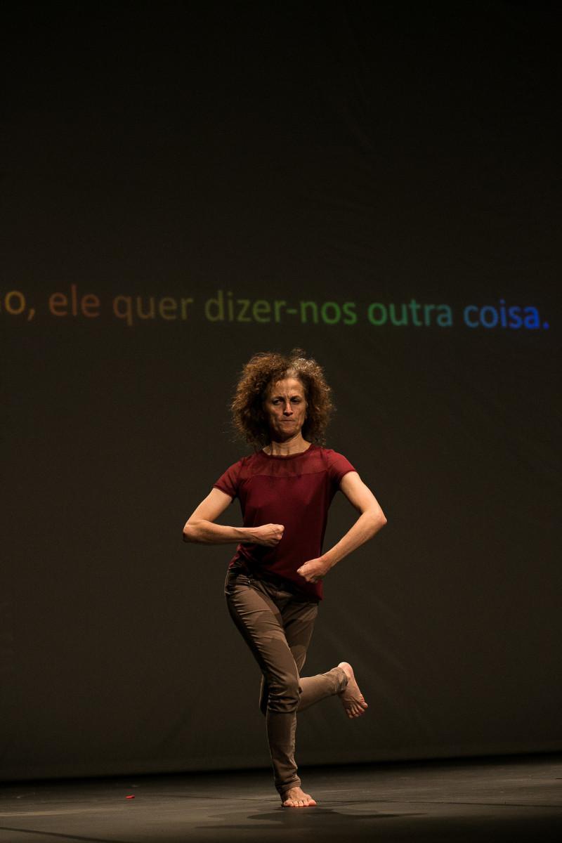"""""""O que podemos dizer do Pierre"""". de Vera Mantero. Foto de Leonardo Lima"""