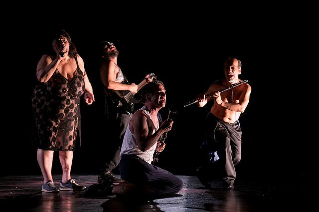 Nós. Grupo Galpão. Foto de Annelize Tozetto. 1