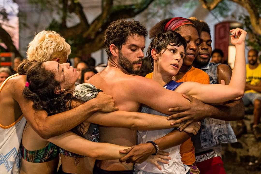 Quando um corpo inFestado encontra uma comunidade dançante